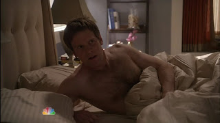 Peter Krause Shirtless on Parenthood s1e06