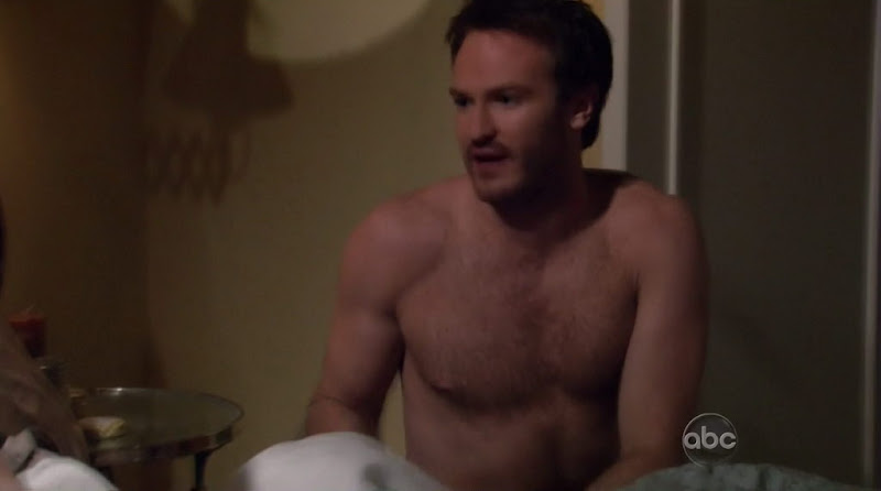 Josh Lawson Shirtless on Romantically Challenged s1e03