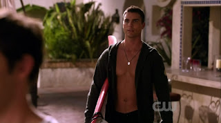 Colin Egglesfield Shirtless on Melrose Place s1e05