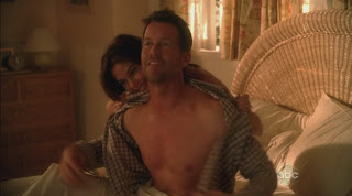 James Denton Shirtless on Desperate Housewives s6e08
