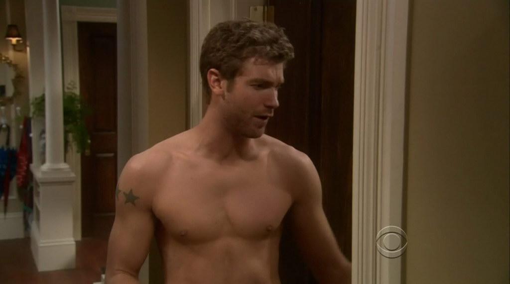 Jon foster on accidentally on purpose s1e09 shirtless for Domon men s underwear