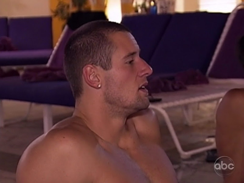 Taylor Bills Shirtless on True Beauty s2e03