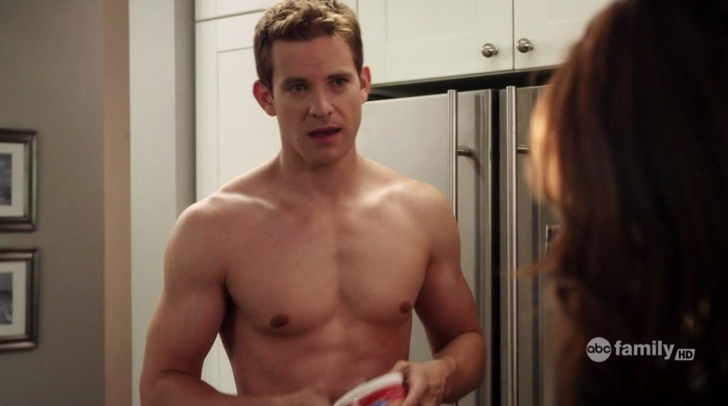 Dustin Johnson Shirtless http://groopii.blogspot.com/2010/06/bryce-johnson-on-pretty-little-liars-on.html