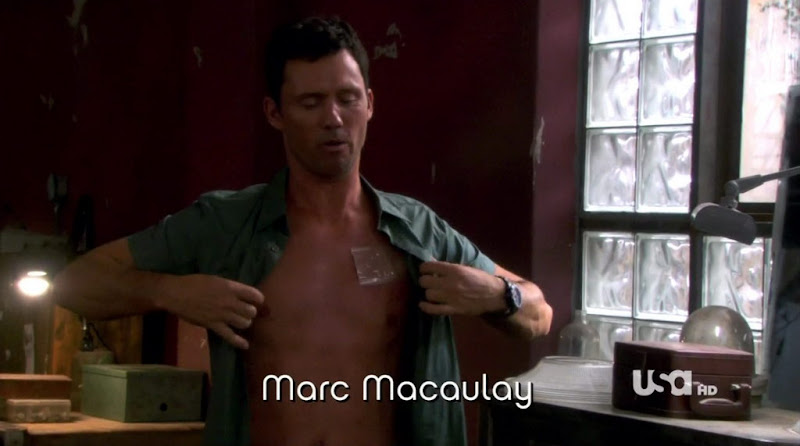 Jeffrey Donovan Shirtless on Burn Notice s4e10