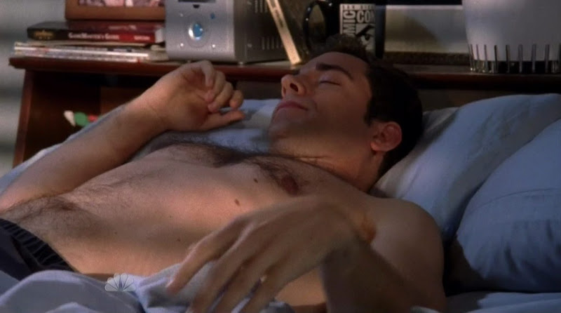 Zachary Levi Shirtless on Chuck s4e01