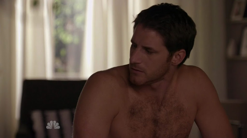 Sam Jaeger Shirtless on Parenthood s2e04
