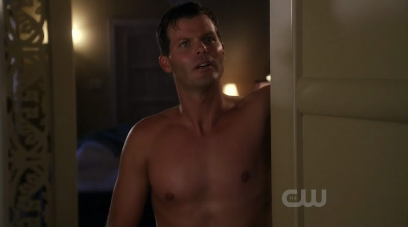 Ryan Bittle Shirtless on Life Unexpected s2e06