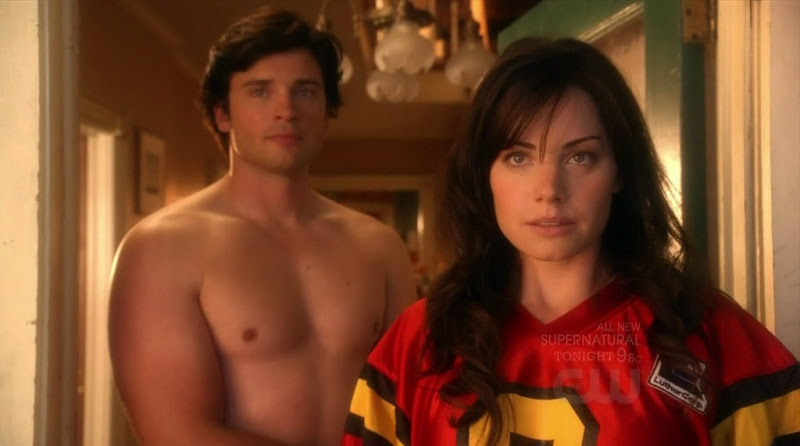 Tom Welling Shirtless on Smallville s10e07