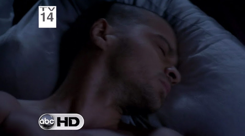 Jesse Williams Shirtless on Grey's Anatomy s7e09
