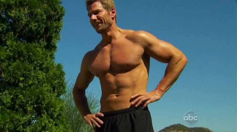 Brad Womack Shirtless on The Bachelor s15e01