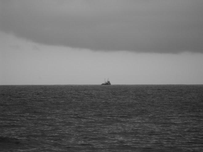 Ah küçücük gemi, sulara attın şimdi kendini...