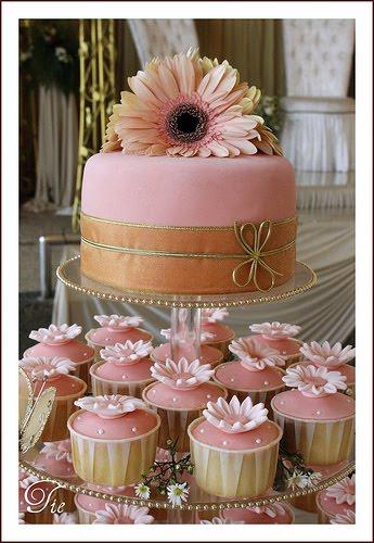 Peach Gold Wedding Cupcake