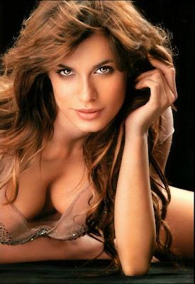 Sexy Soccer Fan Elisabetta Canalis