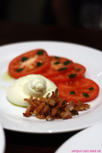 burrata pancetta croccante e pomodori burrata with crispy pancetta and