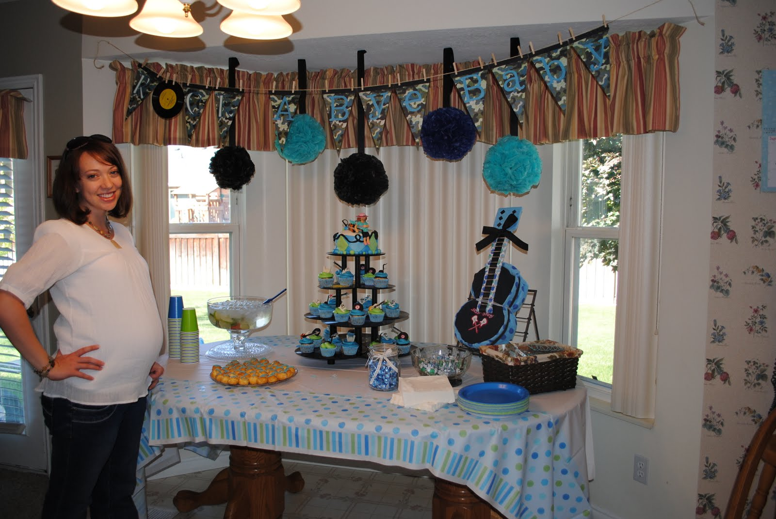 Treaty treats rock a bye baby - Home made baby shower decorations ...