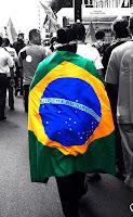 Vamos levantar de nosso berço esplêndido! Acorda, Brasil!