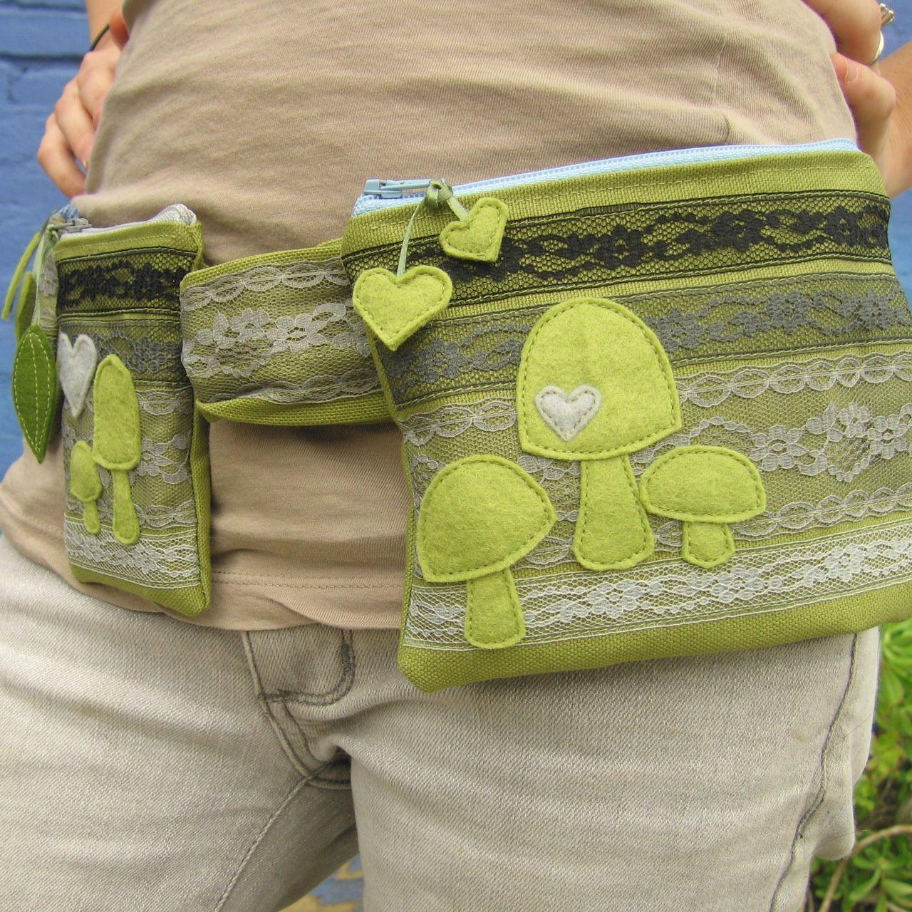 [green+fanny+pack+1.jpg]