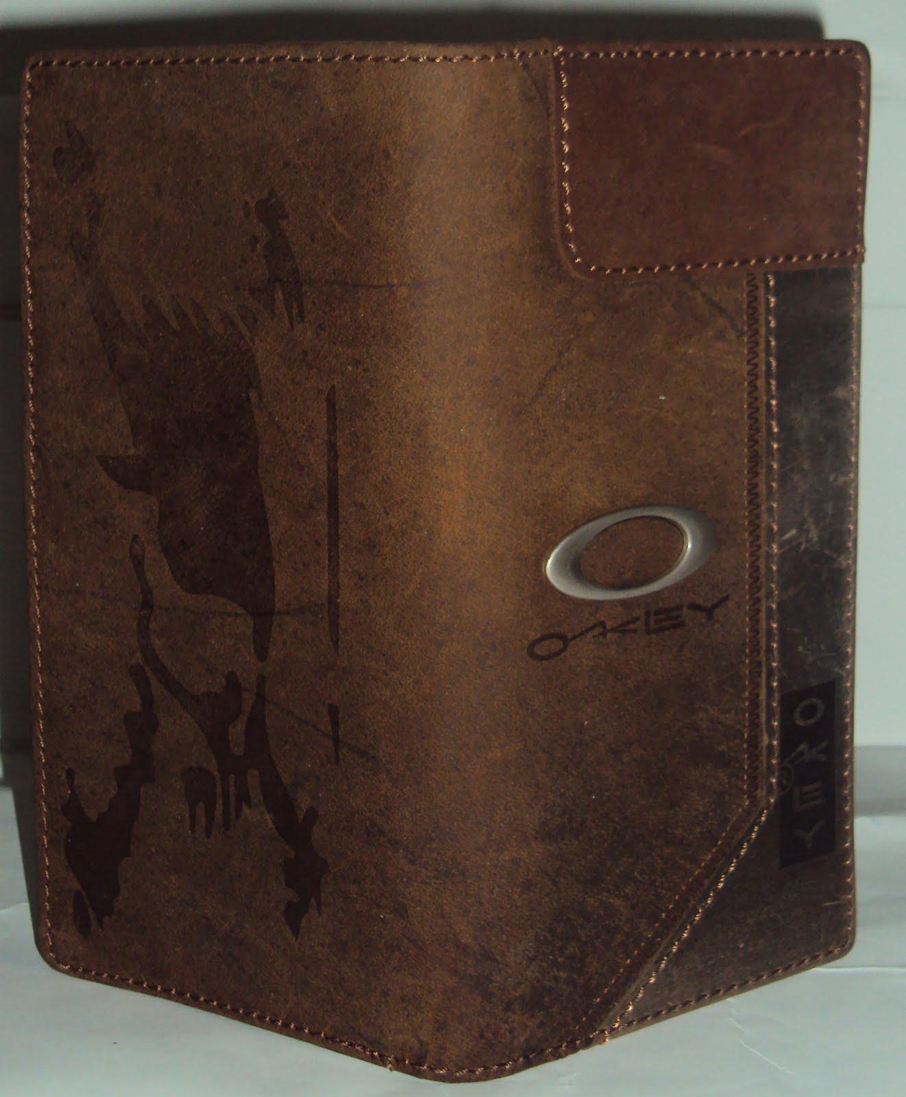 Nama Barang Oakley Kulit Ukuran 9x18 Cm Kode OK LG01 Harga Rp