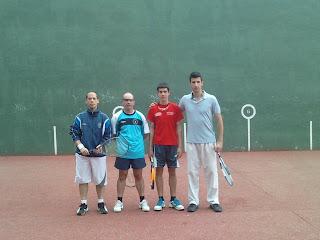 Club Frontenis Buitrago aprieta la liga