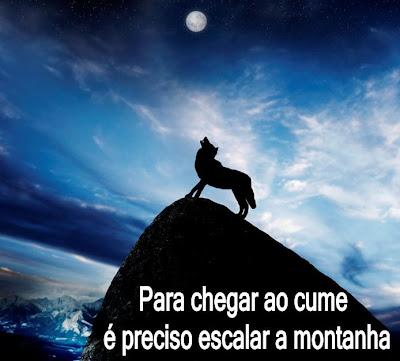 Para chegar ao cume é preciso escalar a montanha