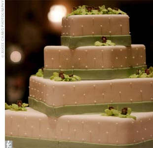 Images Of Square Shape Cake : Square Wedding Cakes