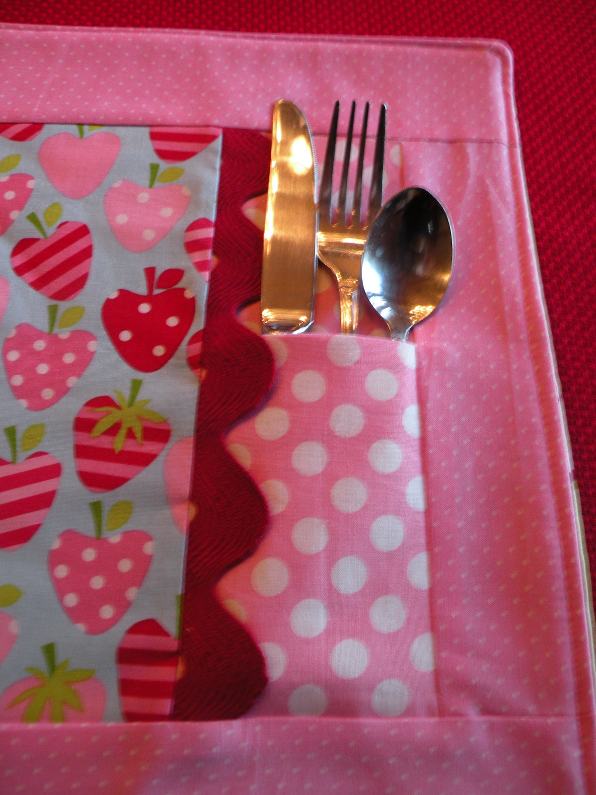 Patterns for Placemat with Silverware Pocket