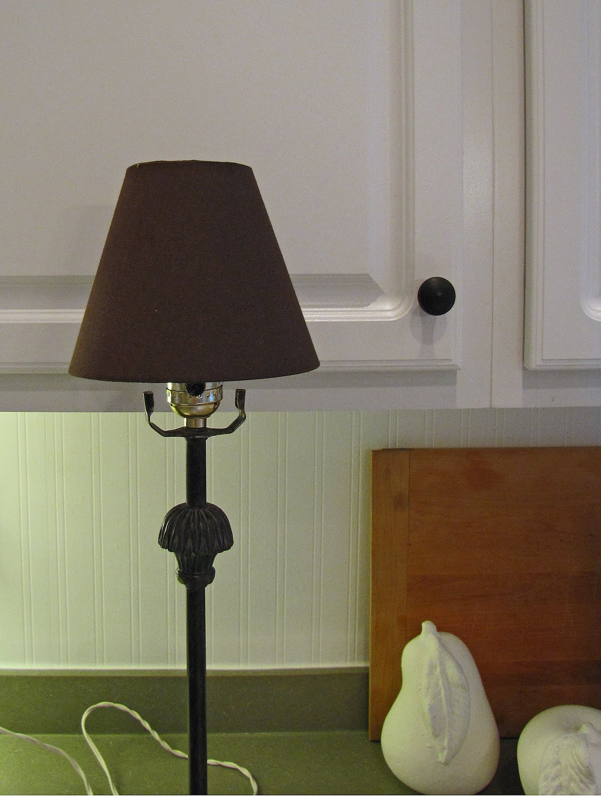 how to put a lampshade on a lamp