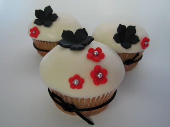Black White And Red Cupcakes Blue Cupcake