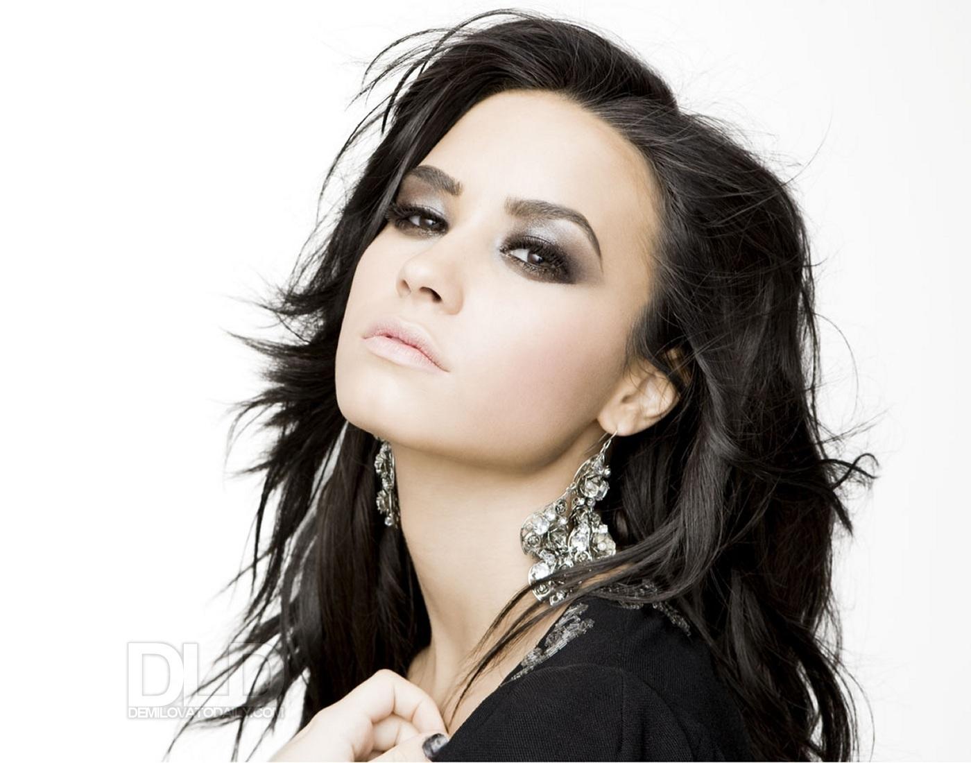 http://3.bp.blogspot.com/_AN_LSoDN9y8/TTyerQhC_ZI/AAAAAAAAADY/ZWhEUmEDNNw/s1600/Mulher-Demi+Lovato+-+by+AL..jpg