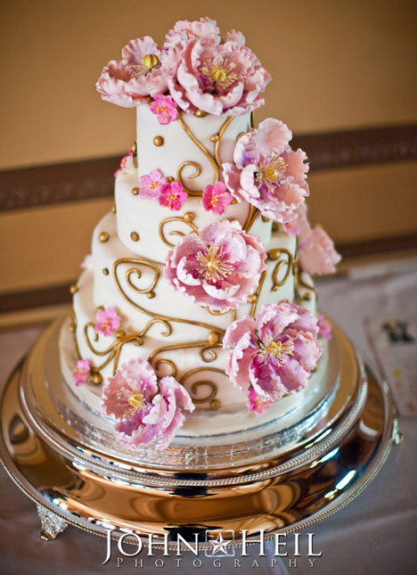Precious Beautiful Wedding Cake Photos