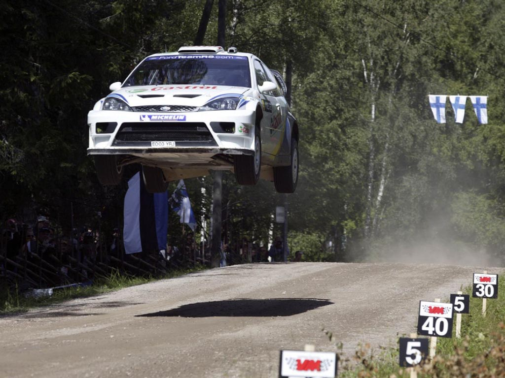 http://3.bp.blogspot.com/_AOlTfovsTOc/TFGsDSS-xSI/AAAAAAAAF4g/t9sjIkNG3TU/s1600/04_FocusRS-WRC_Jump_Wallpaper.jpg