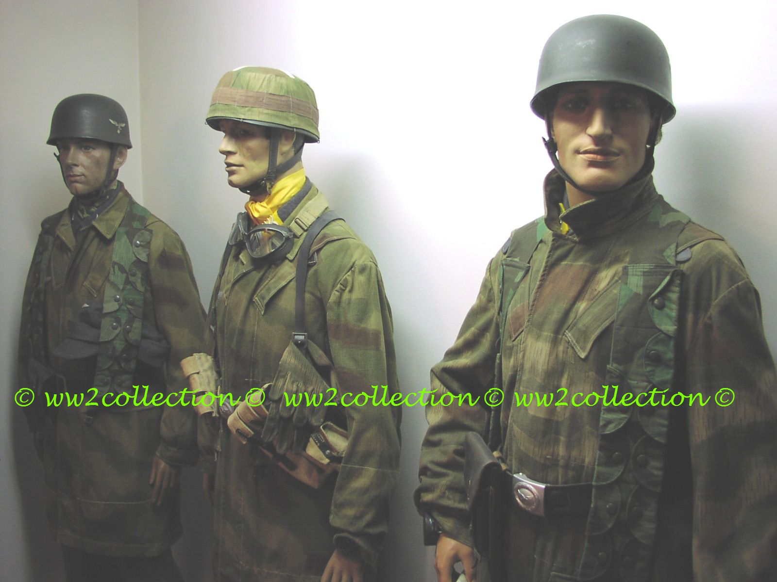 WW2 German Fallschirmjäger Group uniformed mannequins