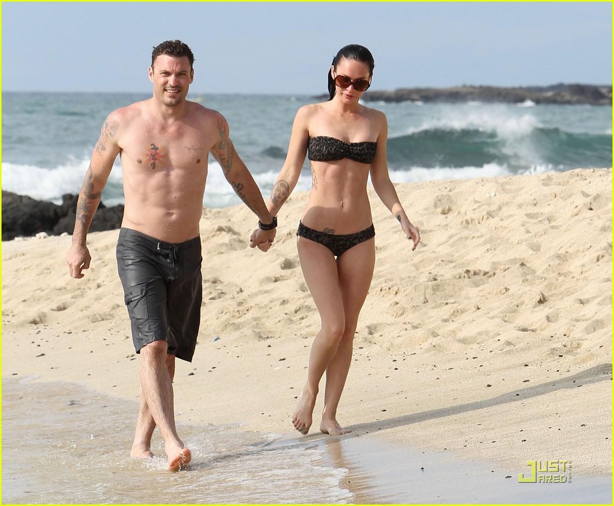 http://3.bp.blogspot.com/_ARNoveiaVyg/TAZ9VxUjsmI/AAAAAAAADr4/Tr94JYvQPzo/s1600/megan-fox-brian-austin-green-kisses-beach-30.jpg