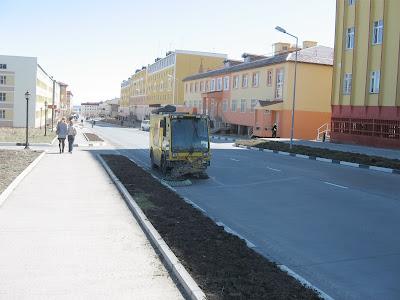 улицы Анадыря подметают
