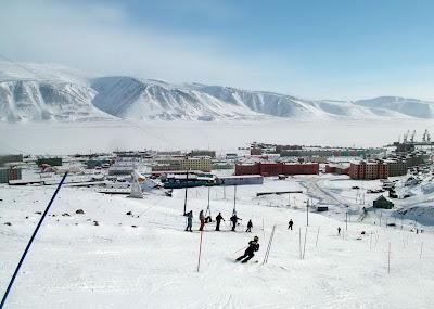 эгвекинот зимой-катание на лыжах
