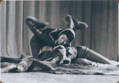 "Танец ""Журавли"". Солистка Е. Рультынеут."