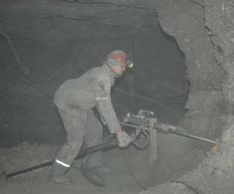 работа-на-севере-бурильщик-в-шахте