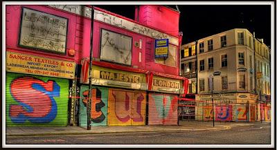 Eine Alphabet Graffiti Shutters HDR