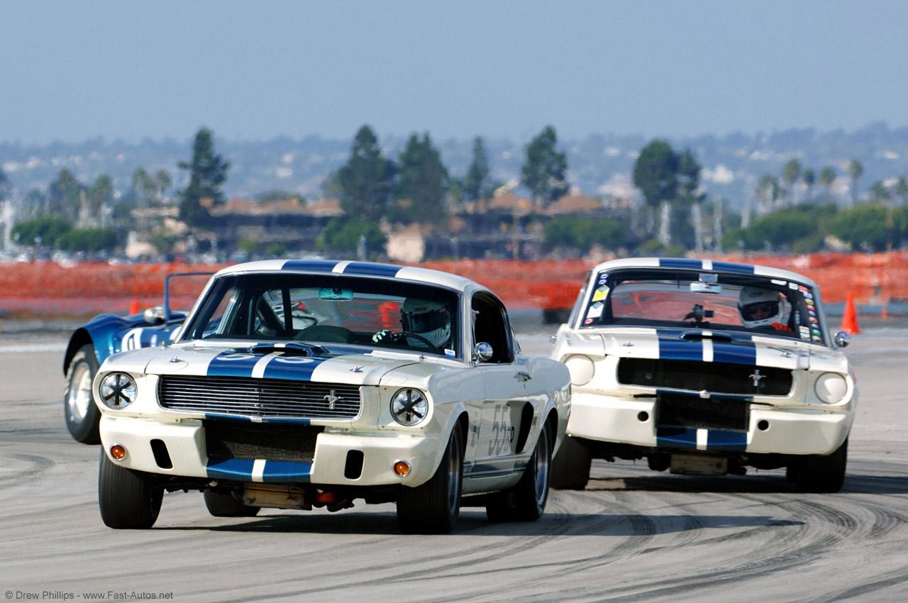 http://3.bp.blogspot.com/_AU3Yc4pQn84/TEx1MABAd7I/AAAAAAAABSE/N43xGh0NvvA/s1600/Ford+Mustang+GT+350+01.jpg
