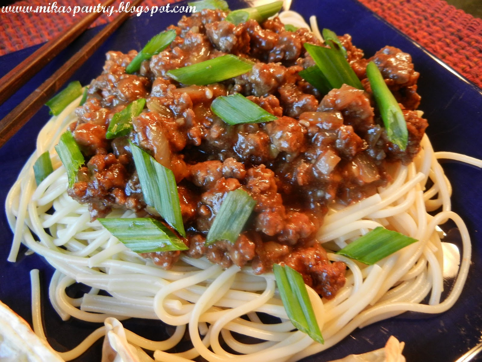 Mika's Pantry: Chinese Spaghetti with Spicy Meat Sauce