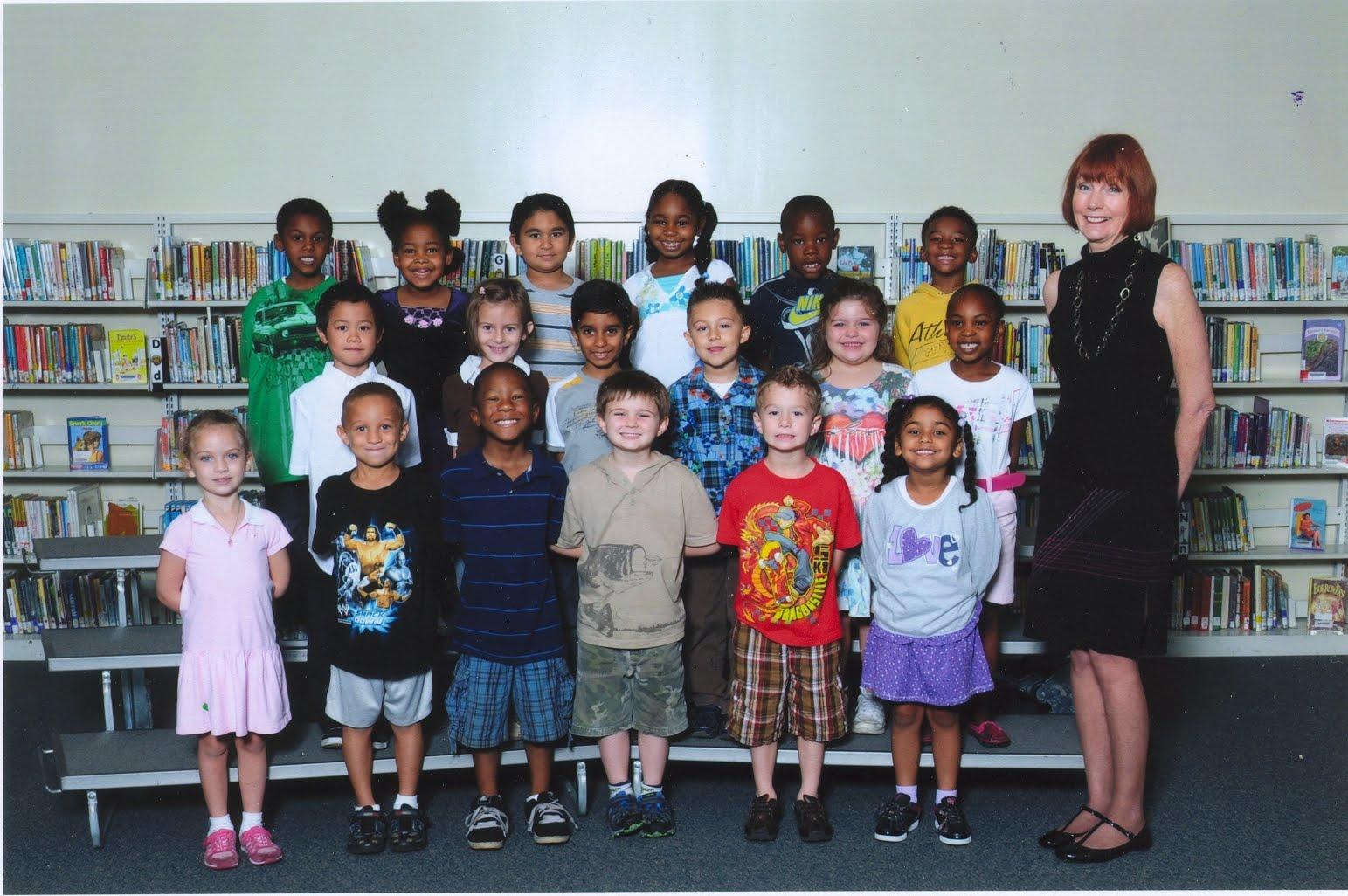 http://3.bp.blogspot.com/_AWNUSdt5UfA/TA6mfv8gcZI/AAAAAAAAA9w/Enc6hiaI2Os/s1600/Erin%27s+Kindergarten+Class.jpg
