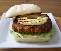 Beanburger with Grilled Pineapple