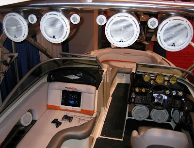 JL Audio Pimp my Boat