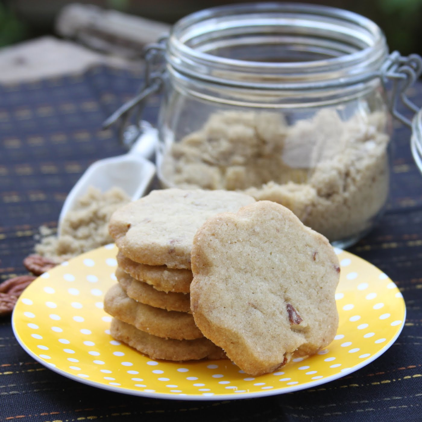 ShowFood Chef: Brown Sugar Shortbread - Simple Saturday