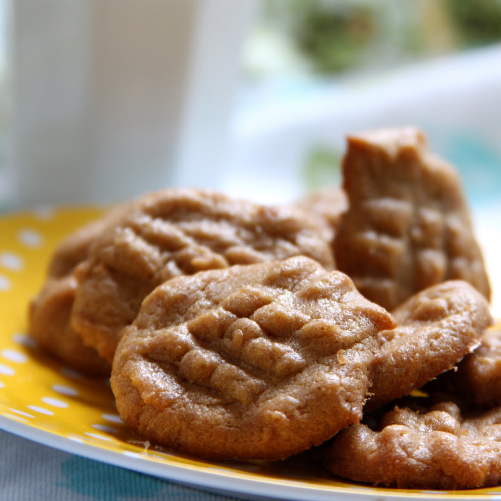 ShowFood Chef: Almond Butter Cookies - Simple Saturday and ...