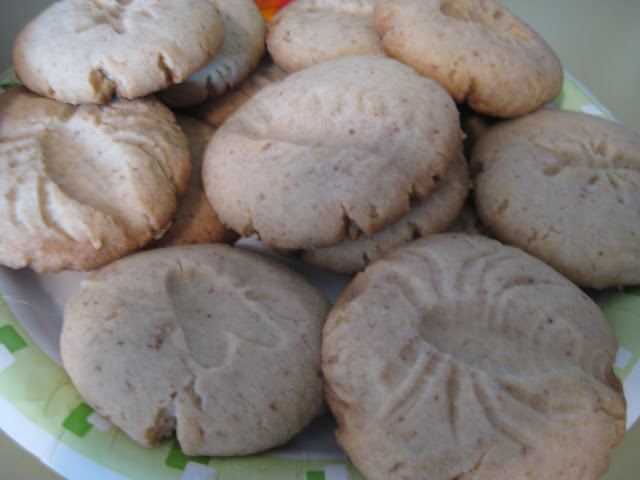 Sarah made fossil cookies inspired by the November issue of Martha ...