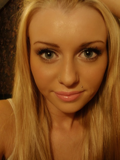 brunette with blonde highlights. honey londe highlights on
