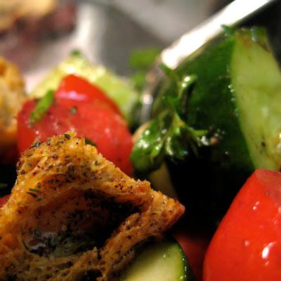crouton in panzanella salad