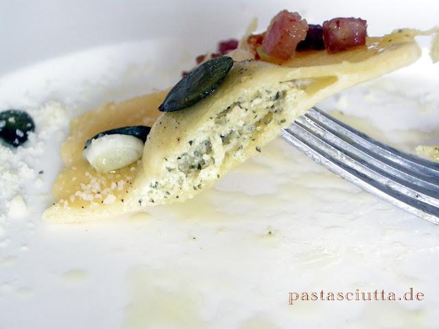 Ravioli mit Kürbiskern-Ricotta | pastasciutta