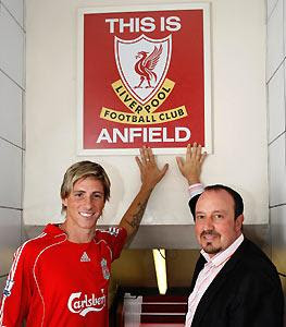 "fernando torres and rafa benitez Benitez is a Bell End: ""Torres is Injured, Lets Change World Cup Qualifying!"""